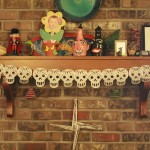 Or string a series of skulls across a mantle, or anywhere you need a swag of festive skulls!