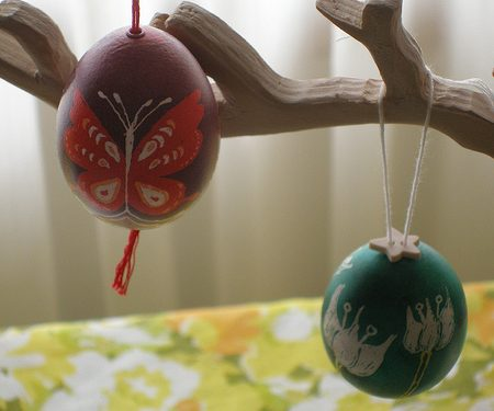 hanging blown easter eggs