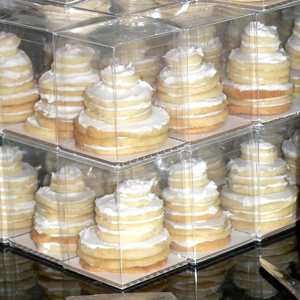 stacked wedding cake cookie favors how to make wedding cake stacked cookies dabbled 20462