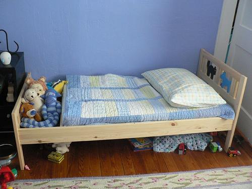 Hacking an Ikea Kritter bed