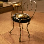 How to: Make a little chair from a champagne cork wire!