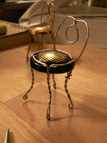 How to make a chair out of a champagne top