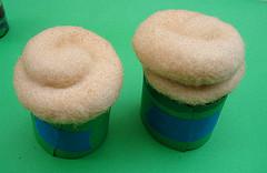 Airbrushing a Cupcake 3
